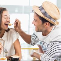 彼とケンカをした時に仲直りする方法4つ♡食欲を刺激するといい?