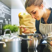 料理教室に通わず腕を上げよう♡料理系YouTubeチャンネル5選