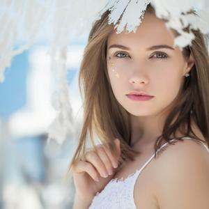 頬の肌荒れの原因と改善策とは?生活習慣やスキンケアを見直して。