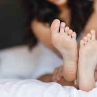 目指せ美ボディ!話題の健康法「足裏たたき」の方法をご紹介♪