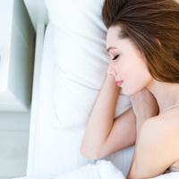 明日はぜったい遅刻できない!働く女性の「寝坊対策法」4つ