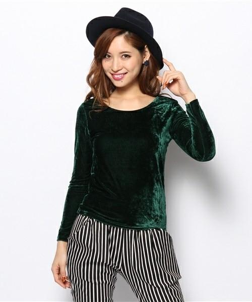 ベロア素材のファッションアイテム②> トップス