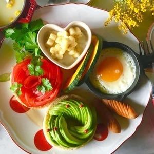 イングリッシュマフィンのアレンジレシピ7選。朝食にもぴったり♪