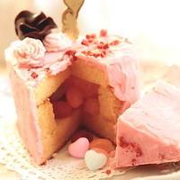 切るとびっくり♡NEXTブームな「サプライズケーキ」の作り方