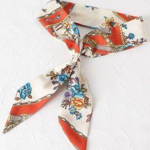 おしゃれな花柄のスカーフ13選♪ハイブランドからプチプラまで