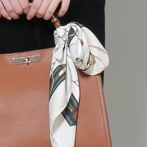おしゃれなスカーフチャーム11選!バッグにつけておしゃれ度アップ♡