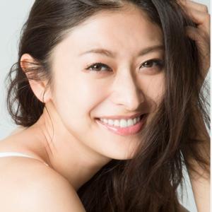 可以作為假日外出穿搭時的參考♪日本女星山田優的隨興風私服成熟又可愛♡