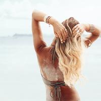 放っておくとオバ髪に!《髪の日焼け》はアフターケアが肝心