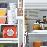 押し込むだけは卒業しましょ♪100均グッズを駆使して冷蔵庫を収納