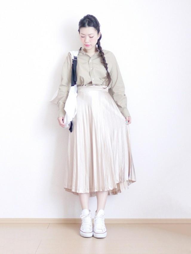 プリーツスカート×三つ編み