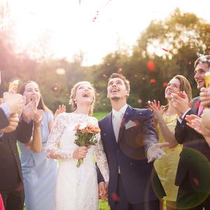 お呼ばれした友人の結婚式で。ステキな出会いをゲットする裏ワザ♡