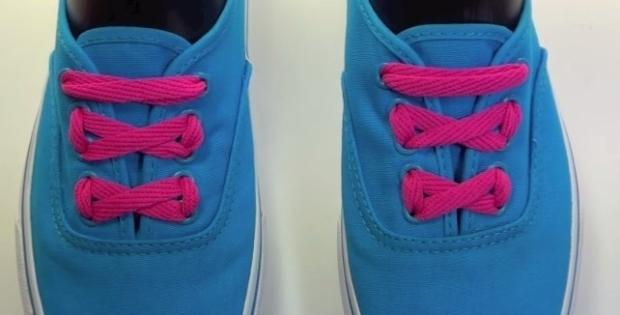 スニーカーの靴ひもの結び方③> リボンみたいでかわいらしいステッチレース