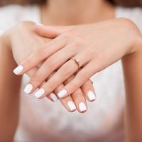 美しい自爪をセルフケアで♪まずは爪やすりの正しい使い方をチェック