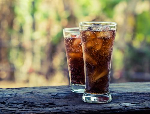 縮短壽命的NG習慣《其②》喝太多碳酸飲料✖️