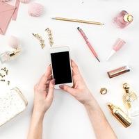 小さな画面を見続ける人生でいいの?スマートフォン依存の改善方法5つ