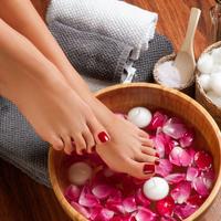 暑い季節こそ効果あり!?夏にしたいおすすめの足湯の方法&効果