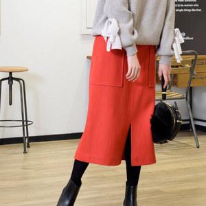 冬コーデにはカラースカートで差し色を♡ダークカラーは卒業!