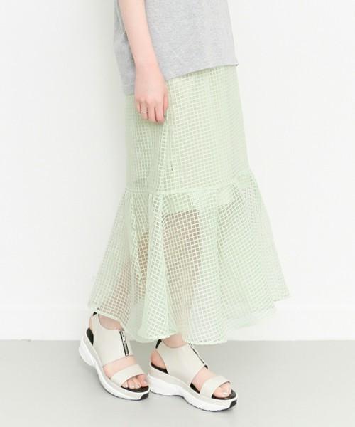 大人の色気漂う♡ひざ下丈スカートは透け感重視!その6