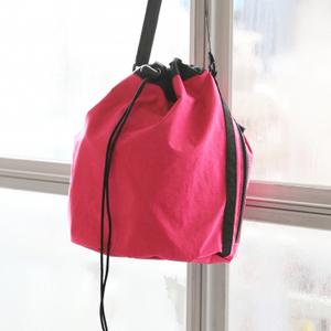 夏コーデに映える!アクティブピンクの巾着バッグ10選♡