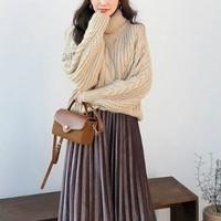 ベロア素材が旬♡プリーツスカートを使ったトレンドコーデ10選