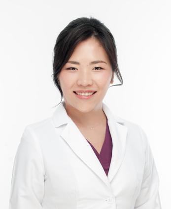 Dr. 金 児美